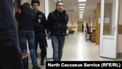 Шаври Гаджиев в суде, архивное фото