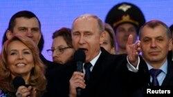 Володимир Путін виступає на мітингу в Москві, 18 березня 2015 року