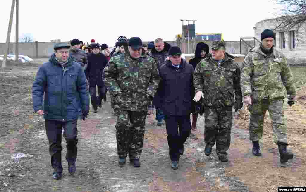 Председатель Херсонской облгосадминистрации Андрей Путилов посетил военнослужащих, несущих службу вблизи границы с оккупированным Крымом.