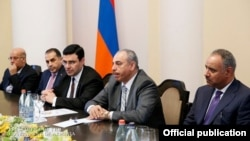 Armenia - Members of Kuwait's parliament at a meeting with Prime Minister Hovik Abrahamian, Yerevan, 18Sep2014.