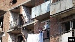 Нохчийчохь тIемаш боьлхуш дохийначу цIа чуьра петаран балконна тIехь лаьтта нохчийн доьзал, Соьлж-гIала, 21Гез2007