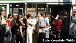 Одна из московских автобусных остановок.