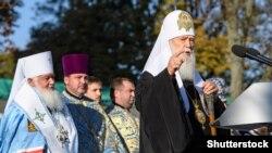 Патріарх Філарет, глава Української православної церкви Київського патріархату під час масової молитву перед Софіївським собором у Києві 14 жовтня 2018 року