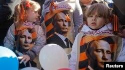 На маскоўскім мітынгу ў падтрымку дзеяньняў Расеі ў Крыме, 10 сакавіка