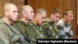Група російських десантників, затриманих на Донбасі. Київ, 27 серпня 2014 року