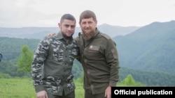 Министр информации и печати Чечни Ахмед Дудаев и глава республики Рамзан Кадыров