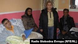 Семејството Петрушевски од Куманово шеста година живее без струја.