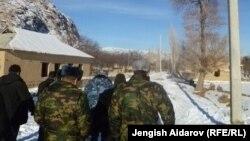 Сохтун жанындагы Баткендин Чарбак айылы, 7-январь, 2013.