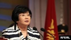 Роза Отунбаева на церемонии инаугурации