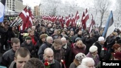 Під час ходи ветеранів легіону Waffen SS – в пам'ять про латвійських солдатів, які загинули в боях проти Радянської армії. Рига, 16 березня 2010 року