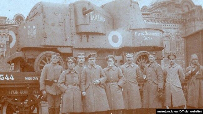 Важкий бронеавтомобіль «Гайдамака», який використали у поході на Крим весною 1918 року