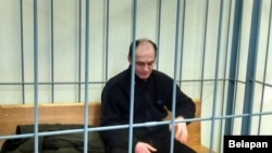Гражданин Беларуси Кирилл Казачок в суде, где его обвиняют в убийстве двоих своих детей - девятилетней дочери и 17-летнего сына. Мозырь, 28 декабря 2016 года.