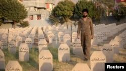 Иракский Курдистан. Кладбище, где похоронены жертвы химической атаки 1988 года