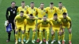 После долгих переговоров с УЕФА Федерации футбола Украины удалось оставить приветствие на футболках – теперь это официальный футбольный символ Украины (но на футболках игроков во время Євро-2020 слова «Героям слава!» будут дополнительно закрыты новой нашивкой)