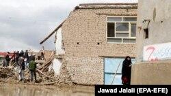 یک منزل مسکونی که در اثر سیلاب در کابل تخریب شدهاست. April 16, 2019