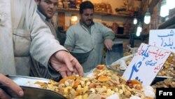 کارشناسان اقتصادی معتقدند که نرخ تورم اعلام شده در ایران واقعی نیست