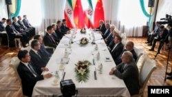 حسن روحانی د رحاشیه اجلاس شانگهای با همتای چینی خود دیدار کرد