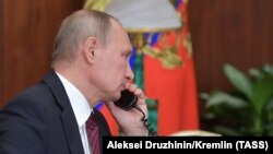 Putin separatçı liderlərlə telefonla danışır, 15 noyabr, 2017-ci il