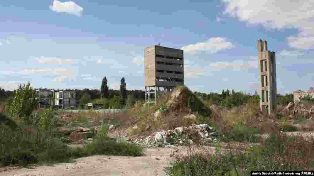 """Навколо колонії розташовані """"постапокаліптичні"""" залишки радянського довгострою"""