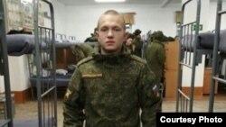 Солдат Евгений Кувайцев