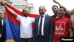 Премьер Армении Никол Пашинян посещает Нагорный Карабах, 9 мая 2018 год