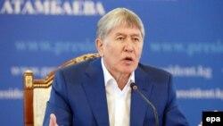 İndiki Qırğızıstan prezidenti Atambaev