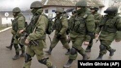 «Зеленые человечки» в Крыму, март 2014 год