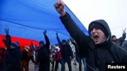 Проросійські активісти в Сімферополі, 27 лютого 2014 року
