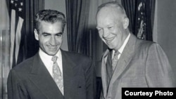 U.S. President Dwight D. Eisenhower (right) meets with Iran's Mohammad Reza Shah Pahlavi in 1954.