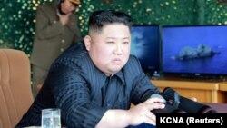 Це сталося менше ніж через тиждень після того, як лідер КНДР Кім Чен Ин стежив за ракетними випробуваннями, проведеними Пхеньяном