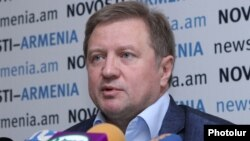 Armenia - Vladimir Lepyokhin, the director of the Moscow-based YevrAzES Institute, at a news conference in Yerevan, 8Jul2014.