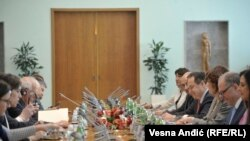 Pamja gjatë takimit të ministrit spanjoll me palën serbe në Beograd.