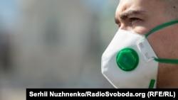 Вісім людей госпіталізовані з підозрою на коронавірус