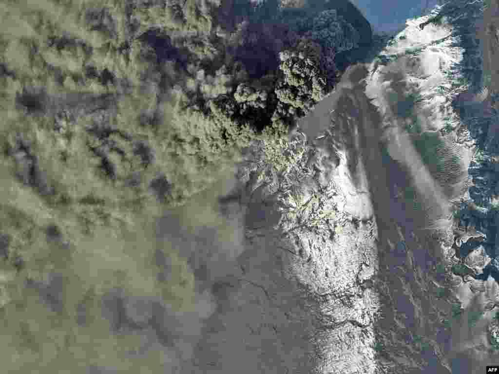 Vulkan snimljen 20.04.2010.