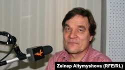 """Киммо Килюнен """"Азаттыктын"""" студиясында."""
