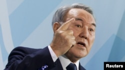 Kazakh President Nursultan Nazarbaev says he wants films about working for the homeland.