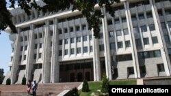Здание Жогорку Кенеша Кыргызстана. Иллюстративное фото