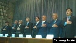 Элдик парламент кыймылынын мүчөлөрү