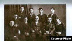 30-cu illərdə Azərbaycan yazıçıları