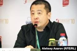 Председатель жюри Международного кинофестиваля «Евразия», китайский режиссер, сценарист и актер Цзя Чжанкэ. Алматы, 15 сентября 2014 года.