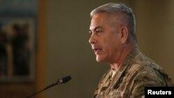 Gjenerali i ushtrisë amerikane, John Campbell, komandant i forcave ndërkombëtare dhe amerikane në Afganistan.