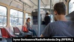Чешские трамваи Tatra вышли на городские линии Мариуполя