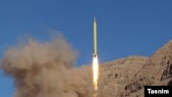 Испытательный запуск иранской баллистической ракеты Quadr H. 9 марта 2016 года.