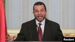 Հիշամ Քանդիլը որպես Եգիպտոսի վարչապետ տված առաջին ասուլիսի ժամանակ, Կահիրե, 2-ը օգոստոսի, 2012թ․