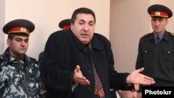Ճանապարհային ոստիկանության նախկին պետ Մարգար Օհանյանը դատարանում, 09 հունվար, 2011