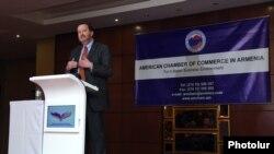 Посол США в Армении Ричард Миллз