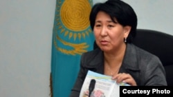 Ақтөбе облыстық балалар құқығын қорғау департаментінің директоры Күлпаршын Айдарханова.