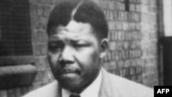 زندگی نلسون ماندلا به روایت تصویر