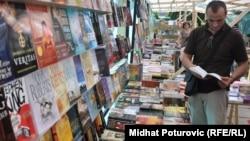 Sarajevo, prodaja knjiga, foto:Midhat Poturović