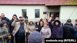 Стыхійны сход у Прыбары